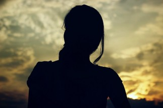 women_sunset_silhouette_dark_black_sun_warm_dawn-603578.jpg!d-2